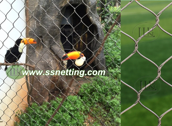 Anti bird net Netting is ideal for a variety of birds, such as hornbill, can be used as a hornbill cage fencing, hornbill cage top netting, hornbill protection network and so on.